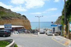 Praia de Benagil, de entree tot het strand van Benagil.