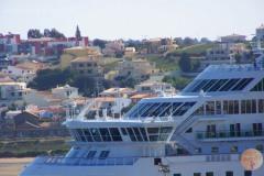 Cruiseschepen leggen in uw zicht aan niet ver van appartement Vila Arade.