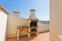 BBQ when you have an apartment? Then you can on the roof terrace while enjoying the sun and the view. Ideal for hibernators.