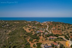 Wonderfully free location. Just for you! Nature, tranquility, privacy, views, swimming pool; the ultimate holiday feeling for you and your party. Near Carvoeiro and the facilities. Rental car recommended, pets welcome.